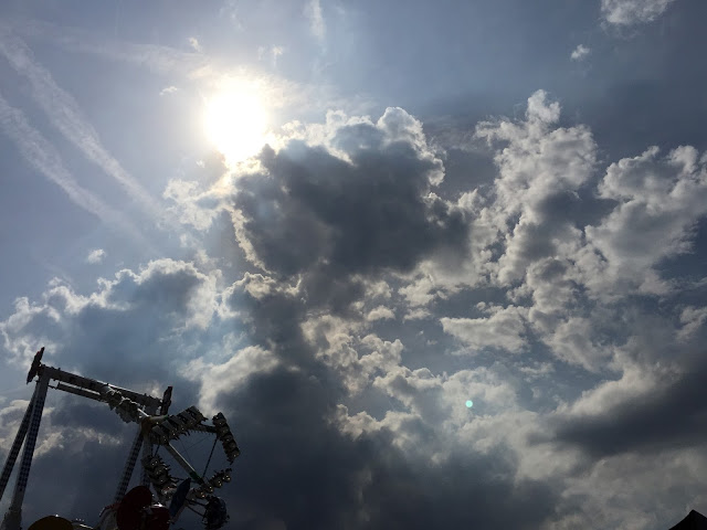 Wolken Lunapark