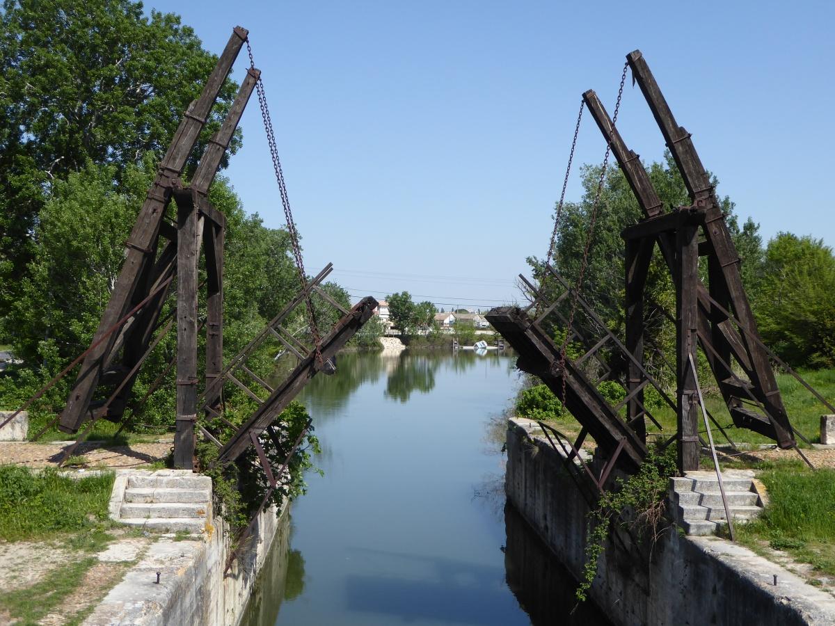 Avignon - Salin-de-Giraud - Arles.